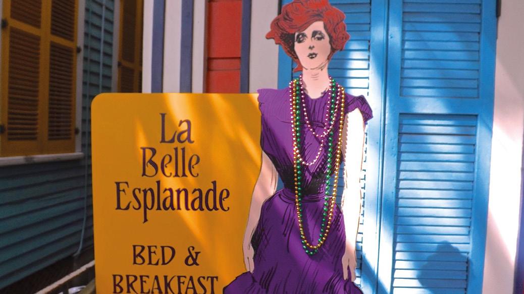 La Belle Esplanade Sign